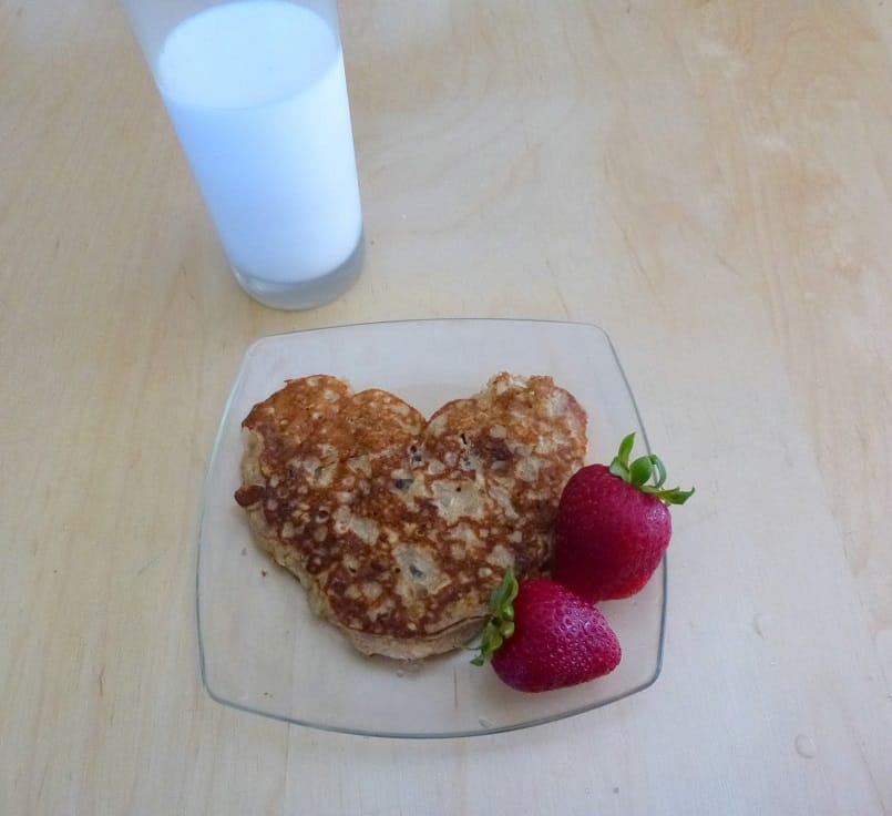 may your oatmeal cookie pancakes always come with summery strawberries on the side | delicious not gorgeous