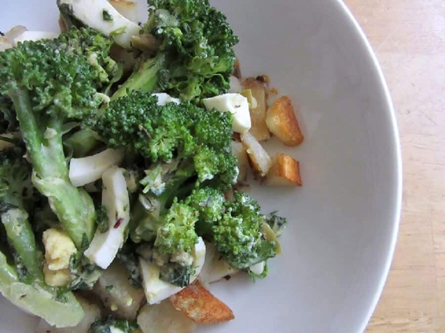 The crispy potatoes go really well with the soft hard-boiled eggs and crisp-tender broccoli in this broccoli gribiche. #potatoes #broccoli #gribiche #hardboiledeggs