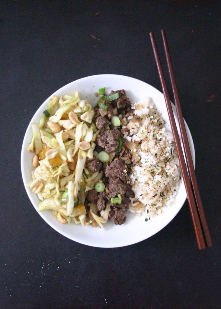 You could use chopsticks to devour these beef rice bowls with sesame cabbage slaw, but no judgement if you use a fork (: #beef #ricebowl #cabbageslaw #dinnerideas