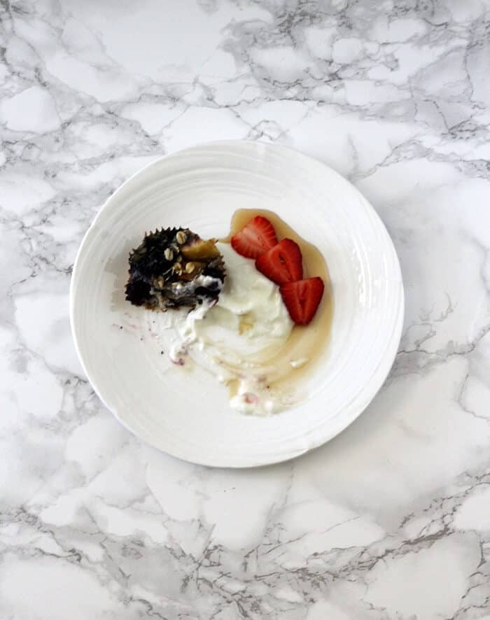 I like serving this healthy baked oatmeal with apples and blueberries with more fruit (fresh berries if you can!), tangy Greek yogurt, and a dribble of maple syrup. #bakedoatmeal #apples #blueberries #breakfast