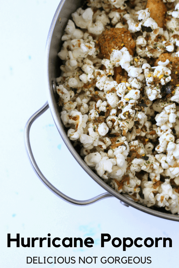 Crisp popcorn and crunchy rice crackers make for an addictive snack, whether or not you're watching a movie. #furikake #popcorn #snackideas #hawaiian