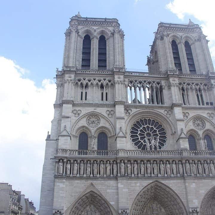 Notre Dame cathedral in Paris. Paris 2018 travel guide from Delicious Not Gorgeous. #notredame #cathedrals #paris #paristravelguide