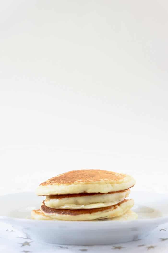 Alton Brown's pancakes are delicious, even plain! #altonbrown #pancakes #breakfast #brunch