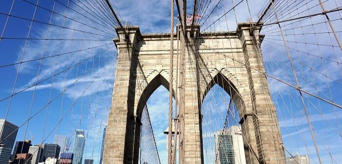 Surprisingly, the Brooklyn Bridge is nice and toasty if you go on a blustery morning when you're in NYC in January. #brooklynbridge #brooklyn #bridges #architecture