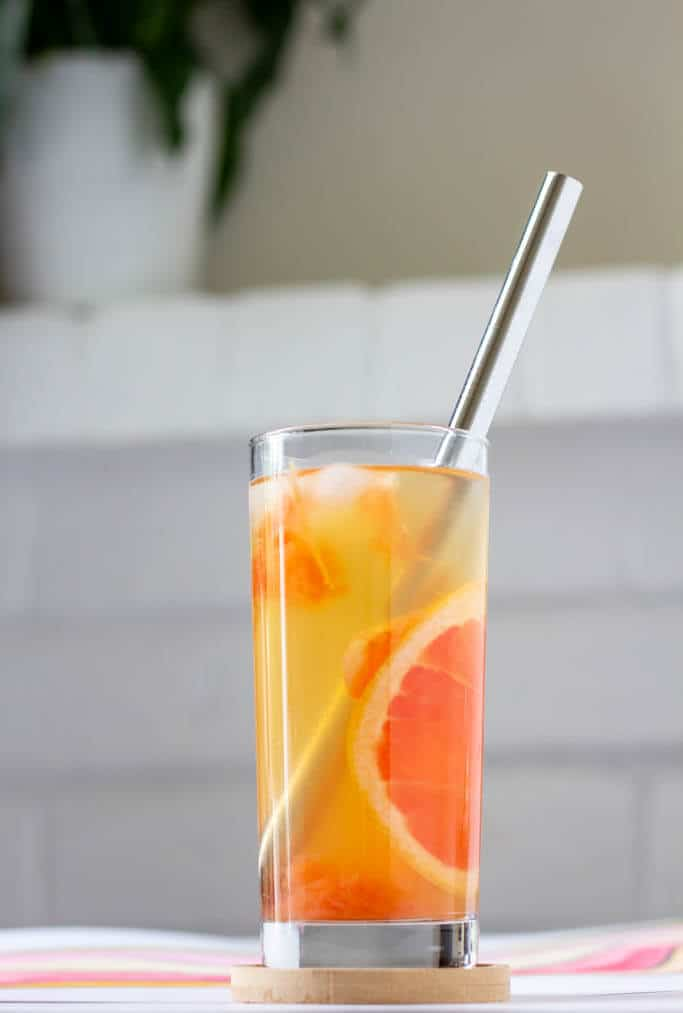 This grapefruit green tea is bright and sunny, all orange and peach tones from plenty of pulpy grapefruit juice.